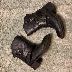 Steve Madden Ellle Black Buckle Boots 6.5